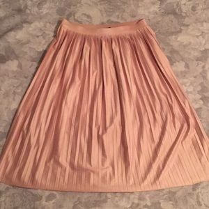 Topshop blush pleated skirt
